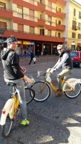 Die Stadt wird mit dem Rad erkundet...